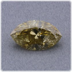 Diamant facettiert / Navette / 8,1 mm x 4,7 mm / 0,74 ct....