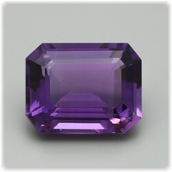 Amethyst Achteck facettiert / 18,3 mm x 14,3 mm / 17,12 ct.