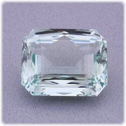 Aquamarin 8-Eck facettiert / 15 mm x 12 mm / 10,96 ct.